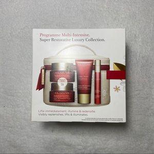 NEW Clarins Super Restorative Luxury Gift Set